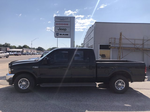 Pre-Owned 2002 Ford Super Duty F-250 XLT